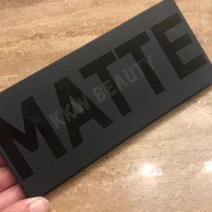 KKW Matte collection Smoke